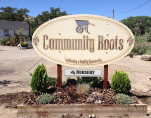 community roots sign